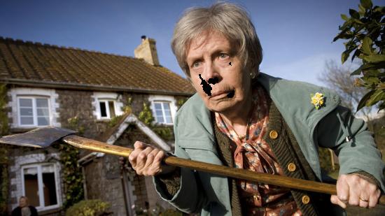 Вставить лицо в рамку - Бабушка с топором